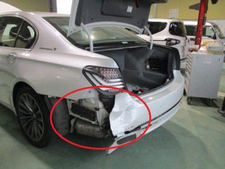 追突事故による傷・へこみの鈑金塗装事例(幸手市 BMWアクティブハイブリッド7)